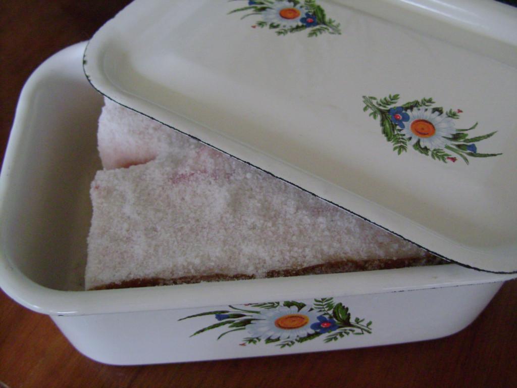 Сало солоне з часником