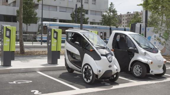 Сверхкомпактные электромобили Toyota станут частью системы общественного транспорта во Франции