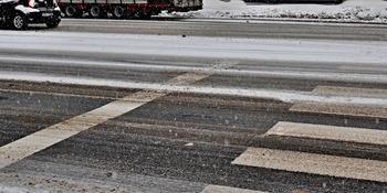 На юге Москвы автомобиль сбил пешехода