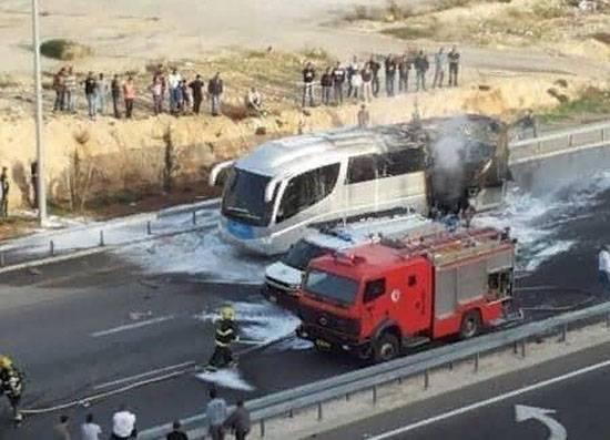Ракета поразила израильский автобус, есть раненые