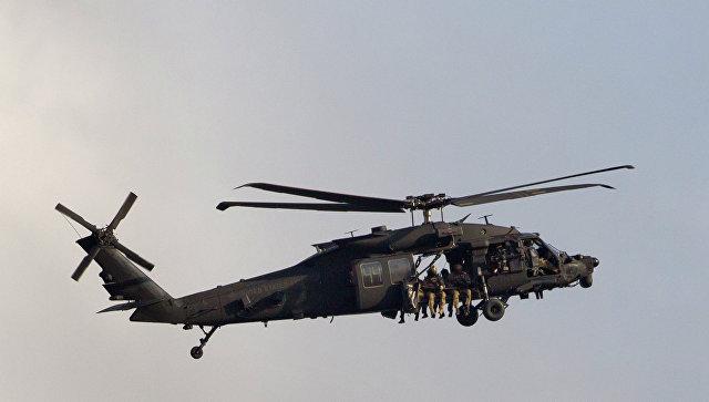 Иллюминатор американского вертолета упал на школьника в Японии
