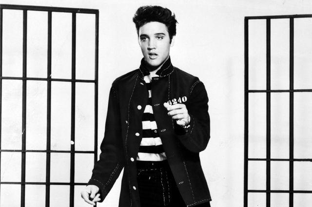 Элвиса Пресли посмертно наградят высшей наградой США