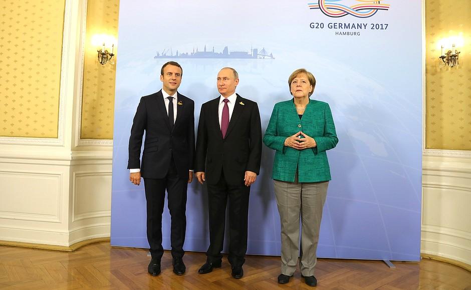 Путин обсудил с Меркель и Макроном кризис на Украине