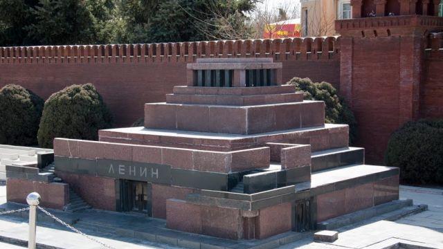 Ленин и его мавзолей — городские легенды. И немного правды