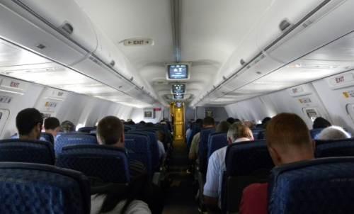 Летят в самолёте грузин, еврей, чукча и русский...