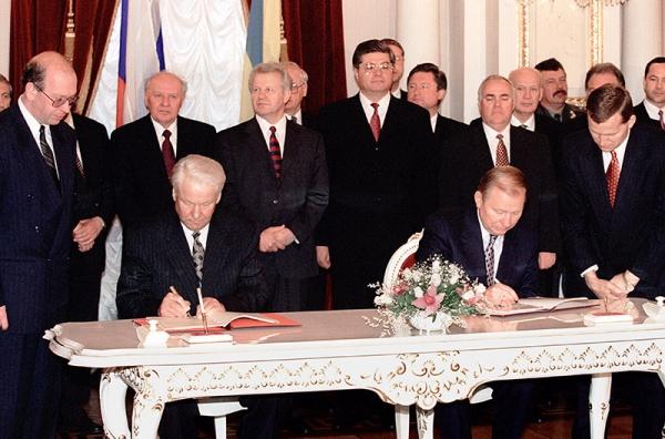 «Большой договор» между Украиной иРоссией: денонсировать нельзя продлить