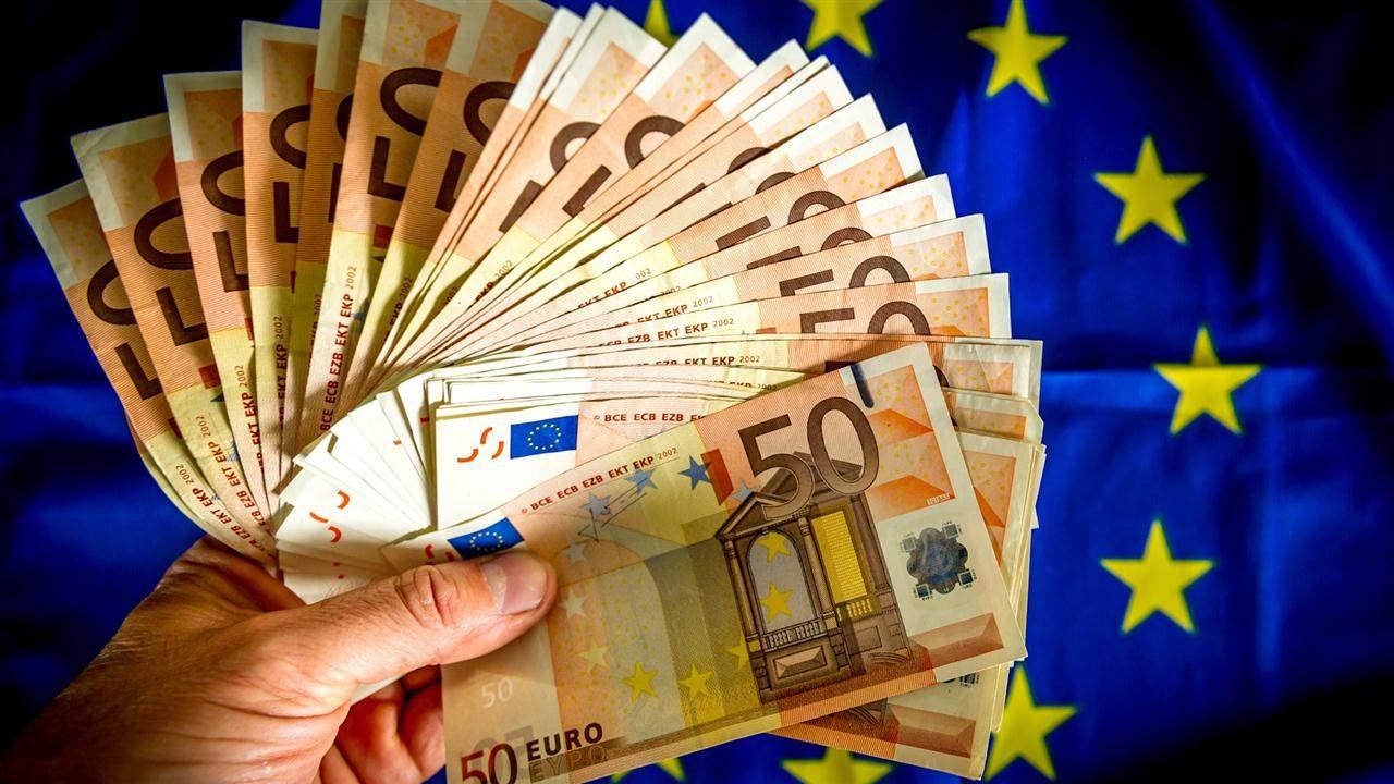 Украина – бездонная бочка: в Бундестаге призвали ЕС отказаться от транша Украине