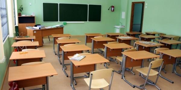 Почему в российских школах у…