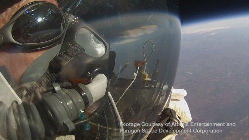Алан Юстас, топ-менеджер компании Google, побил рекорд Феликса Баумгартнера по прыжкам   из стратосферы