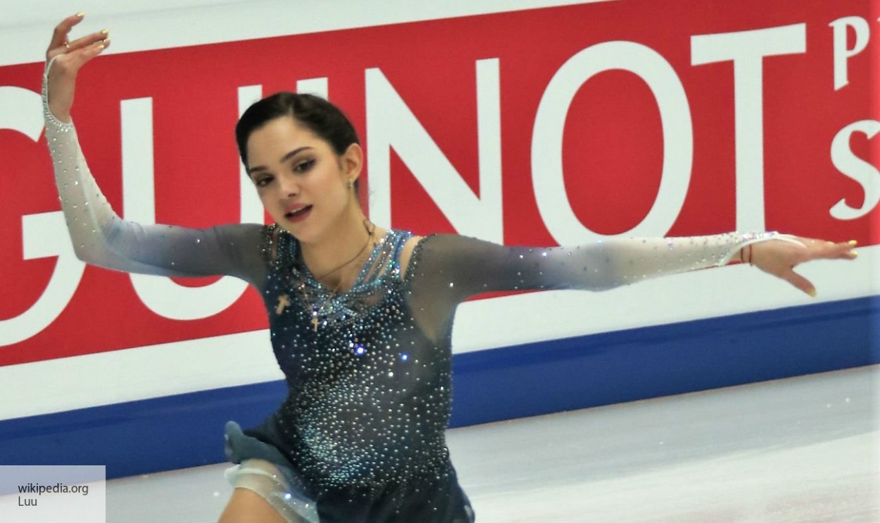 Евгения Медведева одержала победу в финале Кубка России по фигурному катанию