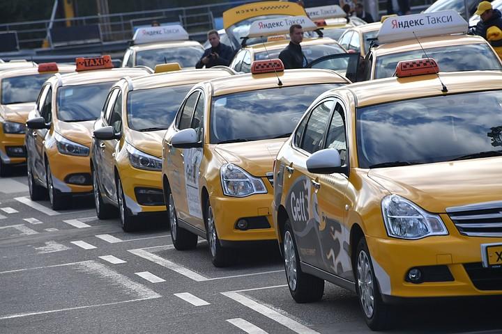 В Москве таксист восемь часо…