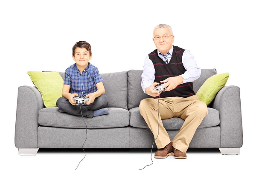 В какие компьютерные игры детям играть можно?