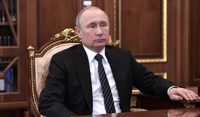 Полетят головы: Недовольный Путин взгрел нерадивых чиновников