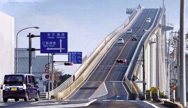 Самый крутой мост в мире соединяет два города