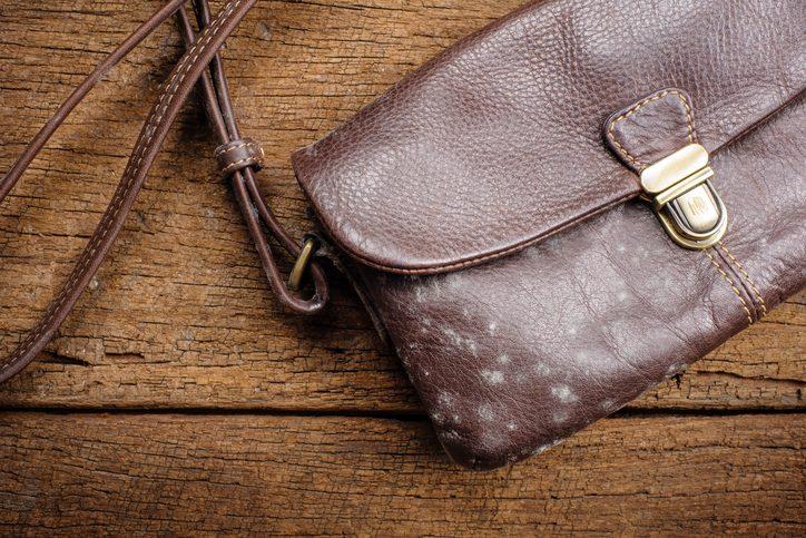 20 лайфхаков по уходу за вашей любимой сумкой