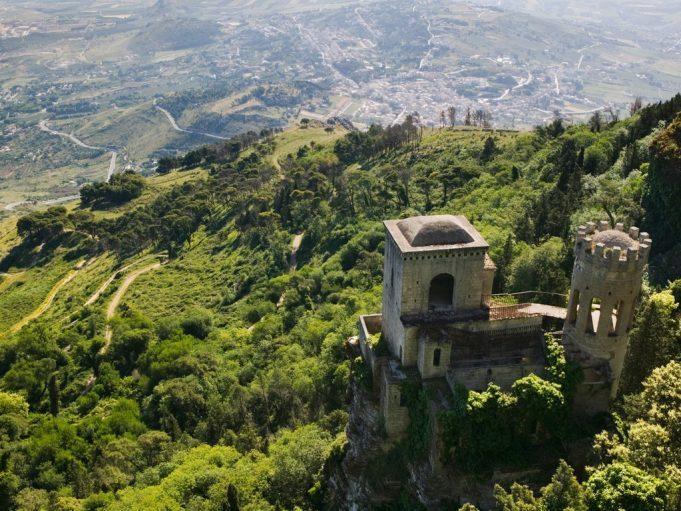 9 потрясающих горных городков Италии