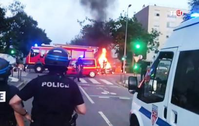 В Нанте начались беспорядки после гибели водителя от рук полиции