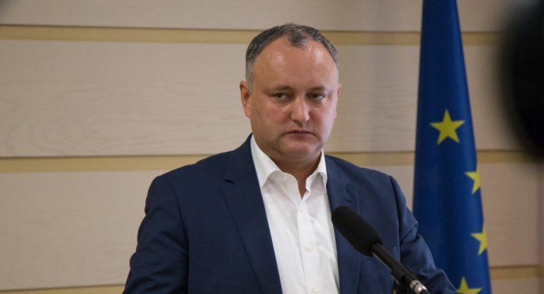Додон осудил правительство Молдовы за высылку российских дипломатов