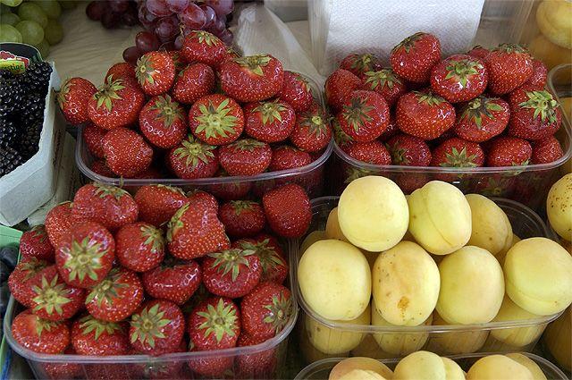 Расследование «АиФ»: откуда к нам едут ягоды и стоит ли их сейчас покупать?