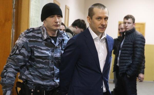 Вделе полковника Захарченко возник «инновационный» финансист издевяностых