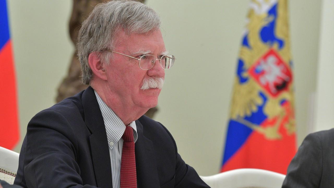 Визит Болтона в РФ: США прощупывают позицию для сделки на своих условиях