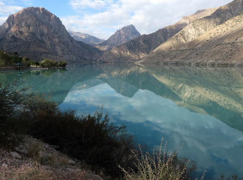 Искандеркуль. Озеро Александра Македонского.