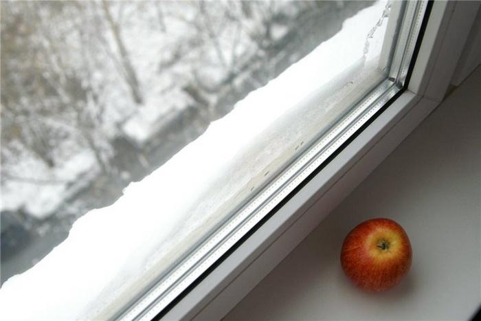 Готовим сани летом: Как утеплить пластиковое окно