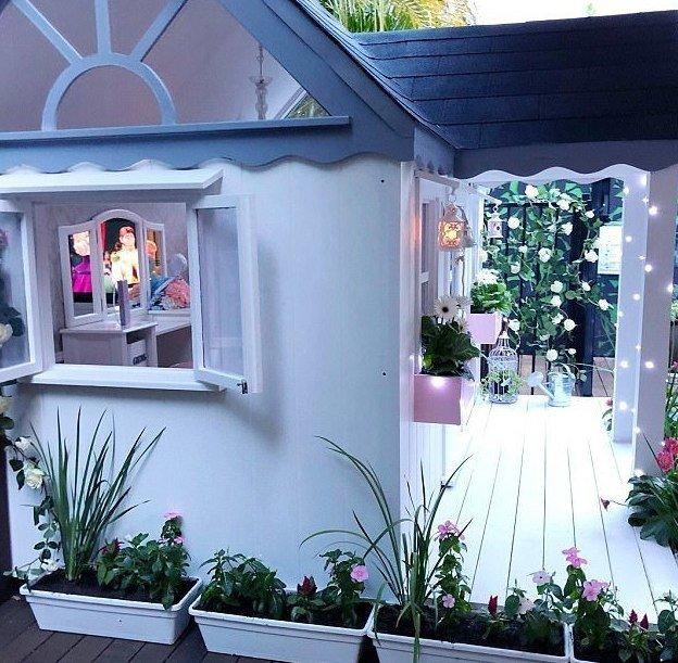 Возле дома расположен розарий Instagram, Квинсленд, Милли-Белль Даймонд, австралия, домик, роскошь, фото