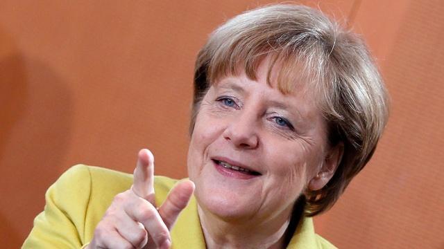 НТВ: Хакеры заблокировали сайт Меркель из-за помощи Яценюку