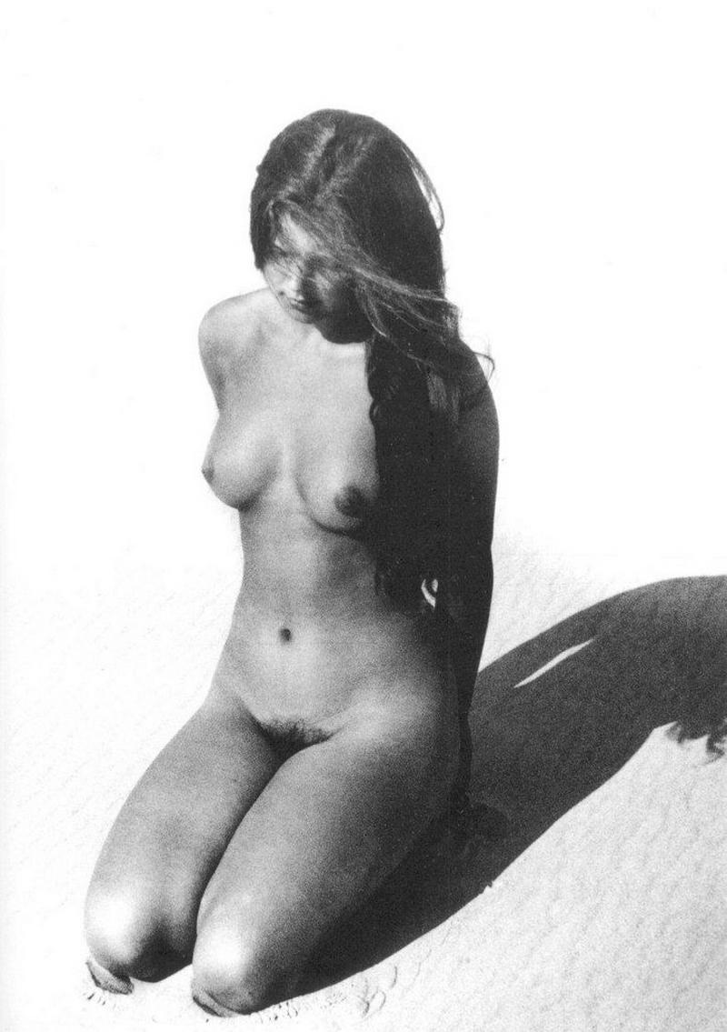 «Цветы среди цветов» Римантаса Дихавичюса – первые фотографии ню в СССР 32