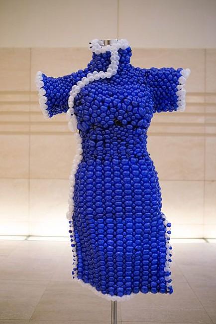 синие платье, платье из шариков, мода 2012