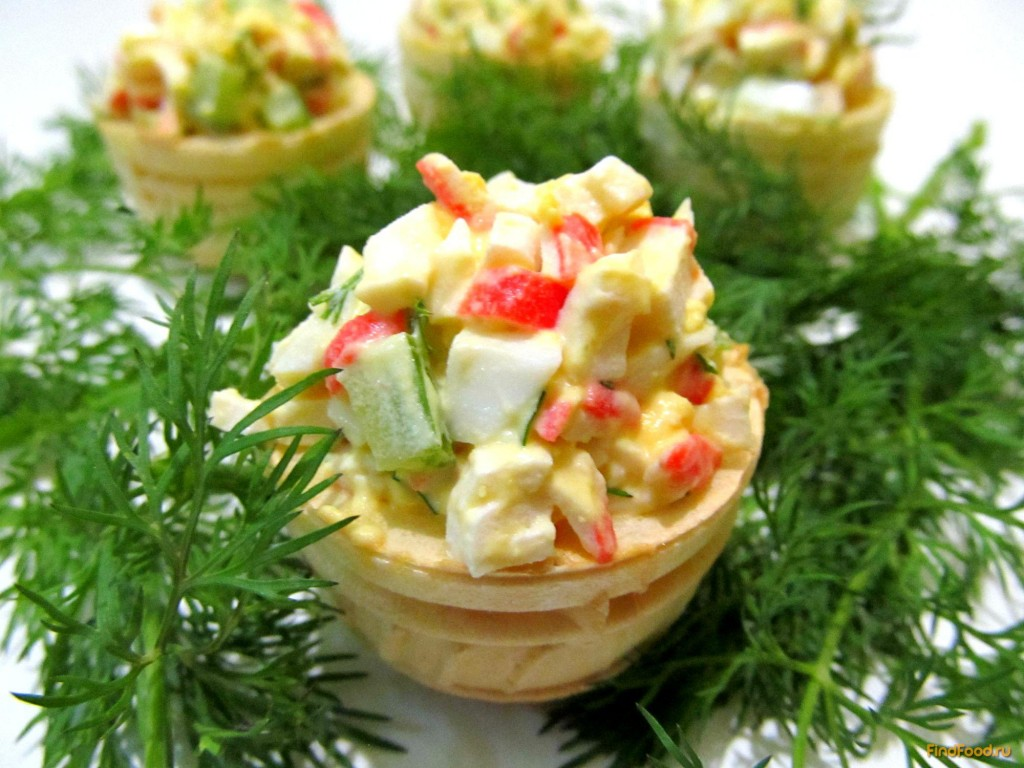 Тарталетки с ананасами и крабовыми палочками: подбор ингредиентов и рецепты приготовления