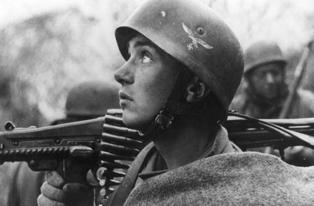 «Держать оборону против русских»