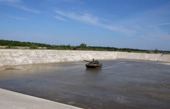 В Омске построили крупнейший в России танковый вододром