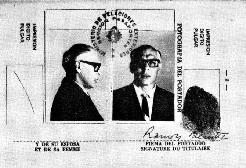 Поддельный паспорт Че Гевары на имя Рамона Бенитеса Эрнандеса, которым он воспользовался, чтобы въехать в Боливию, 1966 год. история, люди, мир, фото