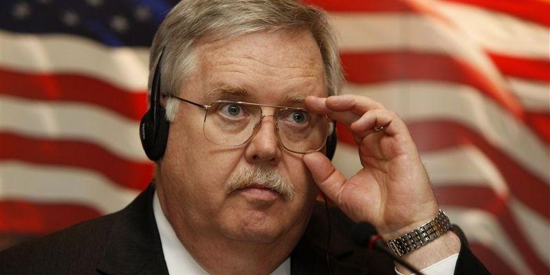 Посол США: Если бы мы не объявили санкции, пришлось бы бомбить. Мы просто пожалели Россию