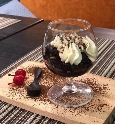 Приготовление рецепта Пьяный чернослив фаршированный грецким орехом шаг 1