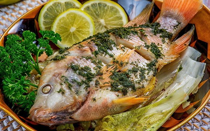 Рыба и лимон - классическое сочетание. /Фото: s1.1zoom.ru
