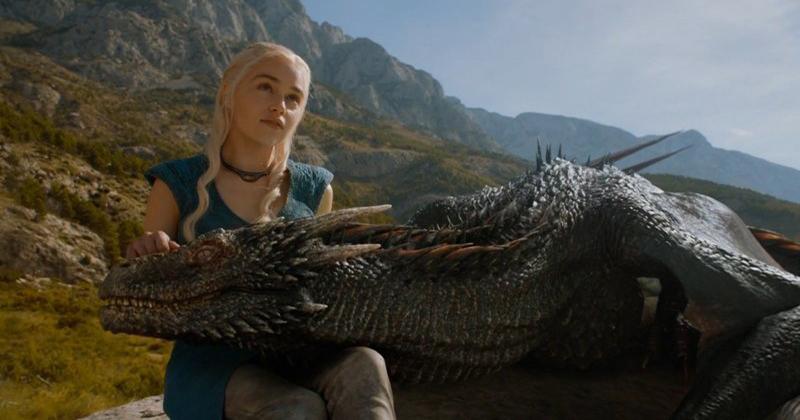 «10 лет жизни»: актриса Эмилия Кларк попрощалась с «Игрой престолов»