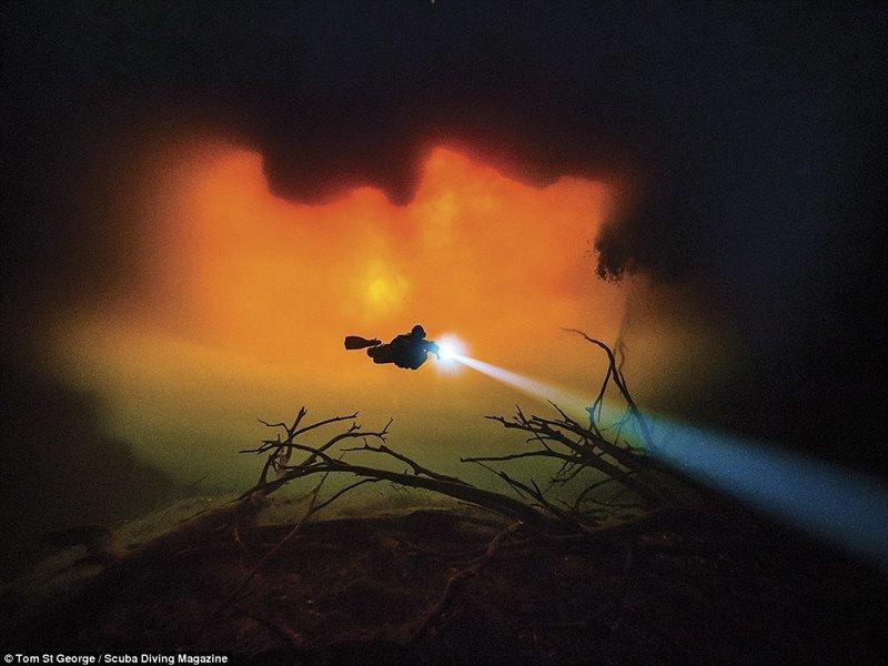 """Подводная пещера, Тулум, Мексика. Фотограф - Том Сент-Джордж. 3 место в категории """"широкий формат"""" Лучшие подводные фотографии года, красота, победители конкурса, подводная фотография, подводное фото, подводный мир, фотоконкурс, фотоконкурсы. природа"""