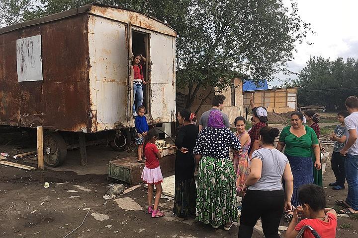 Цыгане, бунтовавшие из-за газа под Тулой, продолжают жить вне закона