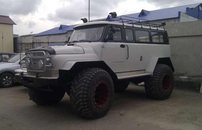 Российский умелец собрал внедорожник «Медведь» из нескольких отечественных автомобилей