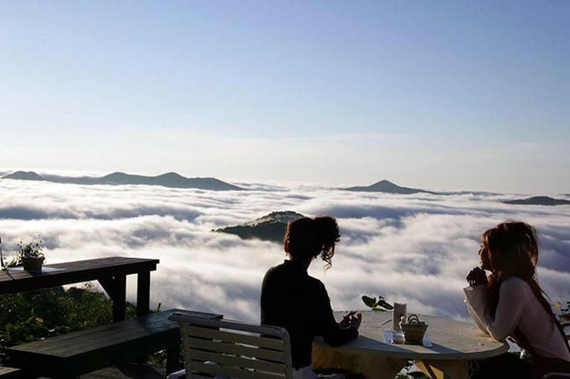 Завтрак в море облаков
