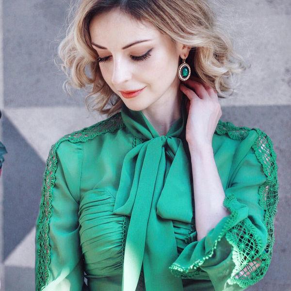 5 идеальных цветов в одежде для тех, кто хочет выглядеть моложе.