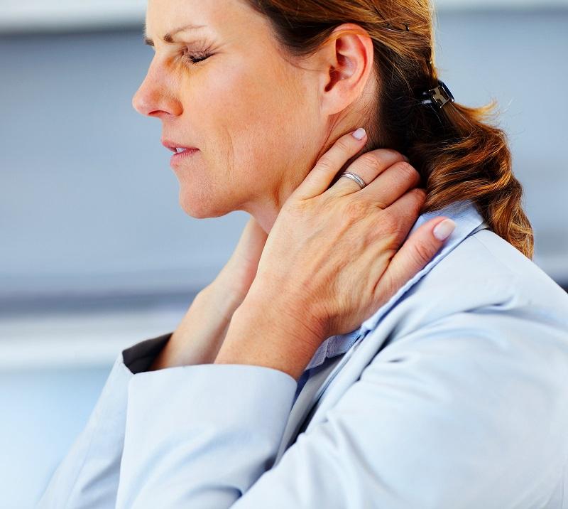 Эта методика избавит тебя от боли в шее и затылке всего за 90 секунд.