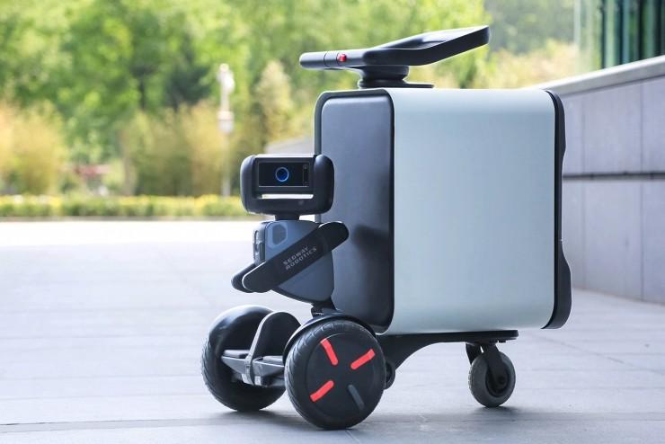 Робот-гироборд Loomo Go не только прокатит, но и привезет воды