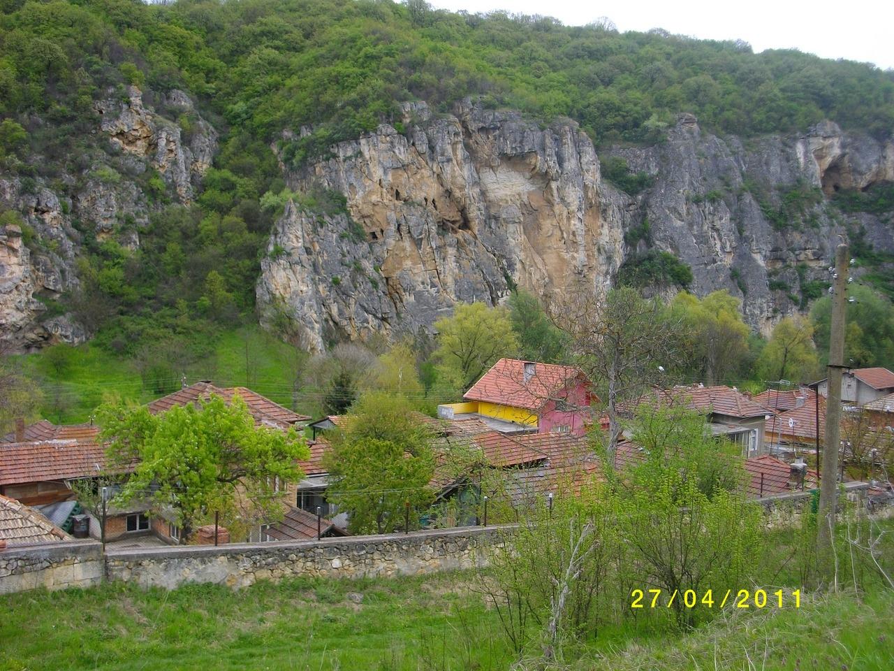 земля в село кошов для дом ,болгария,800кв.м цена 4000 евро 00359878600910
