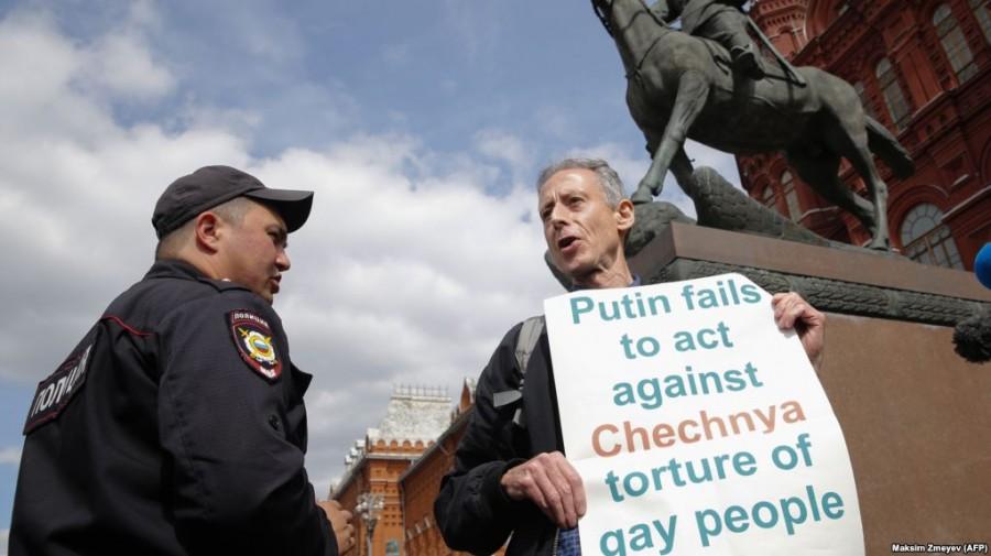 Приключения английского гея в России - 2