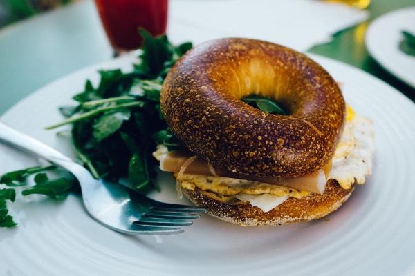 10 завтраков, которые срочно пора перестать есть