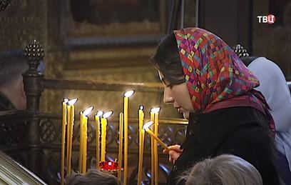 В России верующие отмечают День Казанской иконы Божией Матери